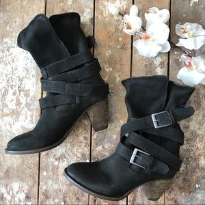 Steve Madden Leather Johnnyy Black Buckle Booties